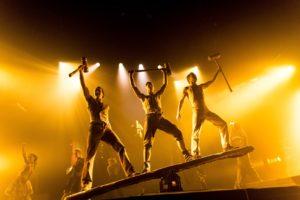 Circus 1903 Hammer Guys